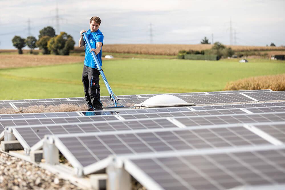 Photovoltaikreinigung - Adolf Gantner Gebäudereingigung Wailblingen